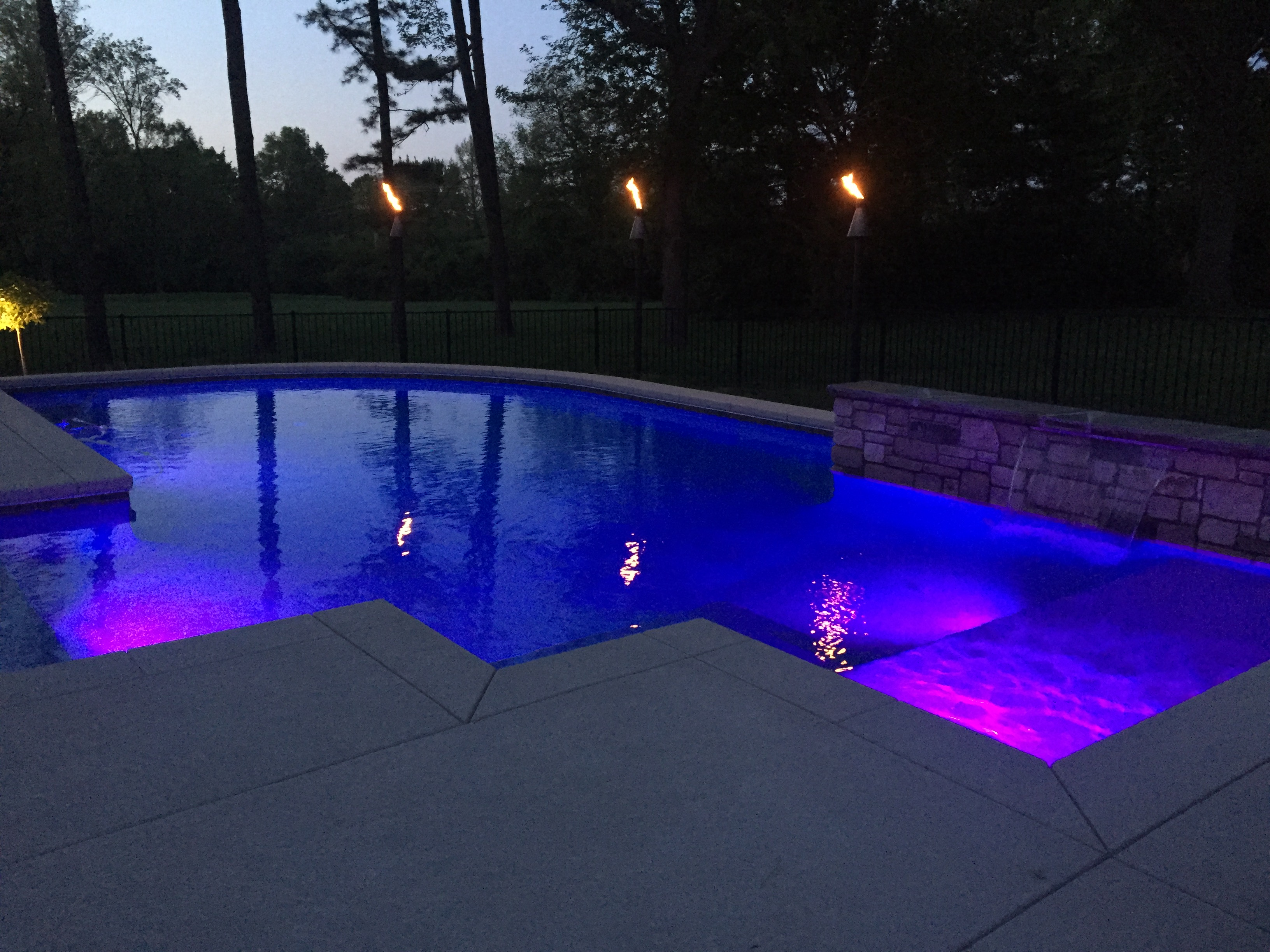 baker pool construction st louis custom pool lighting. Black Bedroom Furniture Sets. Home Design Ideas
