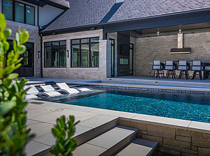 st louis pool construction, custom concrete pool, geometric, cut stone coping