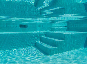 st louis pool construction, custom concrete pool, stair entry, submerged