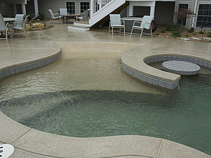 st louis pool construction, custom concrete pool, beach entry